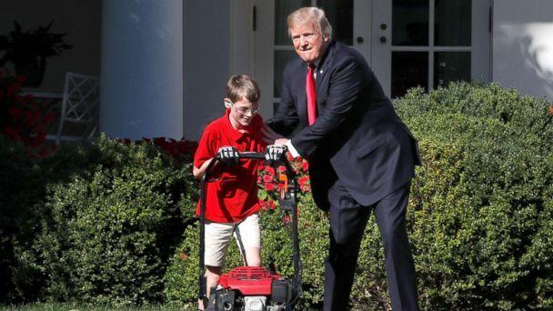 """11 ans qui a tondu la pelouse de la Maison Blanche a déclaré qu'il voulait charger Trump son """"prix régulier"""""""