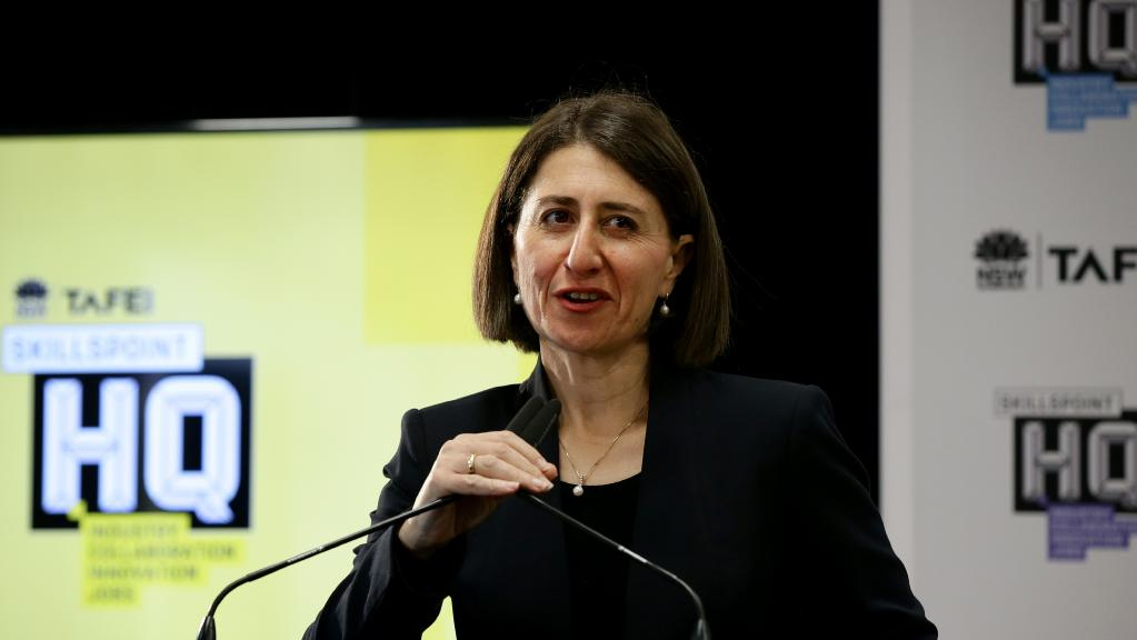 Premier Gladys Berejiklian boosts Department of Premier and Cabinet boss Tim Reardon's pay to almost $700k